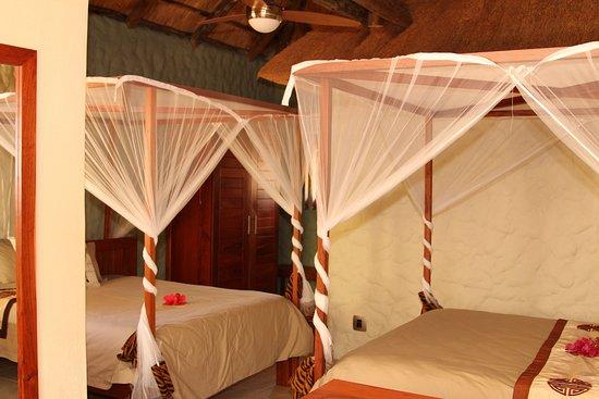 Kubu Safari Lodge: Family room (2)