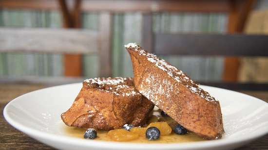 Blue Rooster Cafe: Cinnamon Custard French Toast