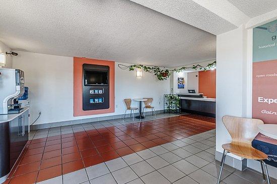 Martinsburg, WV: Lobby