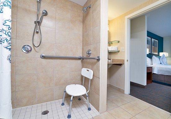 Stanhope, Νιού Τζέρσεϊ: Accessible Bathroom