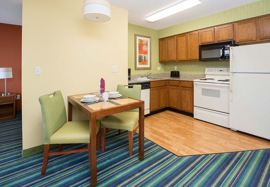 Spokane Valley, WA: King Studio Suite - Kitchen