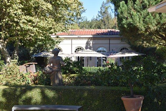 Kenwood, Kalifornien: A wonderful picnic area just outside the Visitors' Center