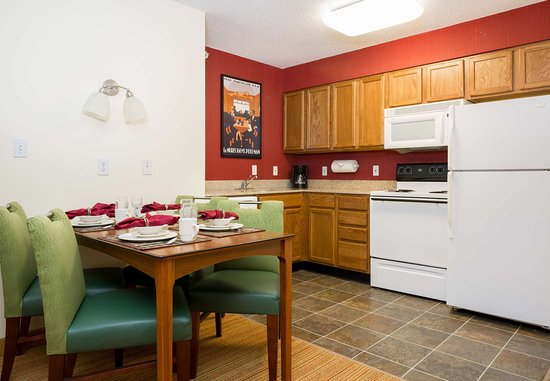 The Woodlands, TX: Studio & One-Bedroom Suite Kitchen