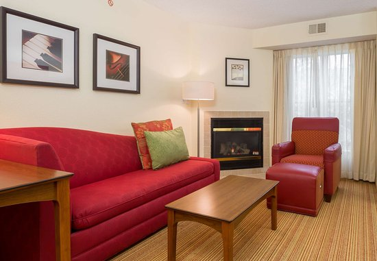 The Woodlands, تكساس: Two-Bedroom Suite - Living Area