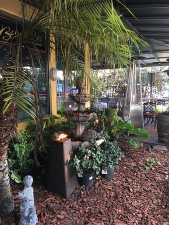 Benedetto's Ristorante Italiano : Quaint outdoor area