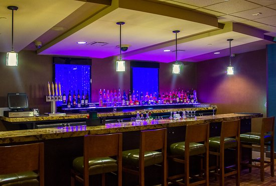 Wyandotte, OK: Enjoy a fully stocked bar and wine selection located inside Twin Bridges Restaurant.