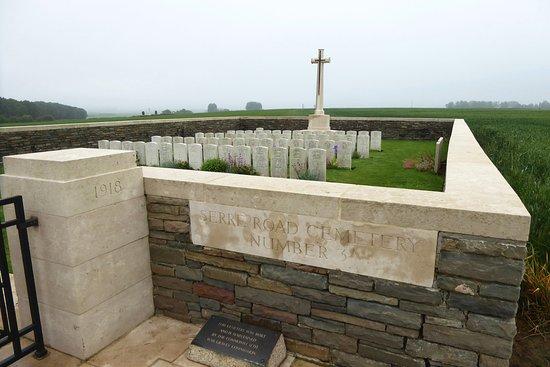 Albert, Frankrike: Serre Road Cemetery No.3, Sheffield Memorial Park