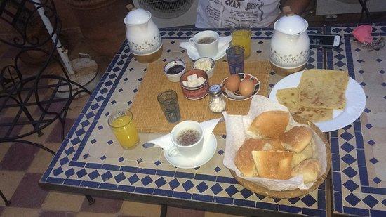 Riad Essaoussan : Colazione