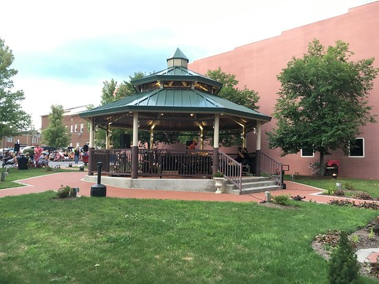Ebensburg, Pensilvanya: Penn Eben Park - a great place to enjoy the summer Concerts in the Park - Fridays in August
