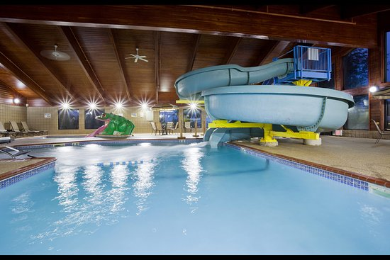 Americ Inn Shakopee Pool