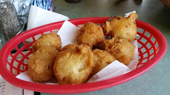 Mud Creek BBQ: Complimentary hushpuppies