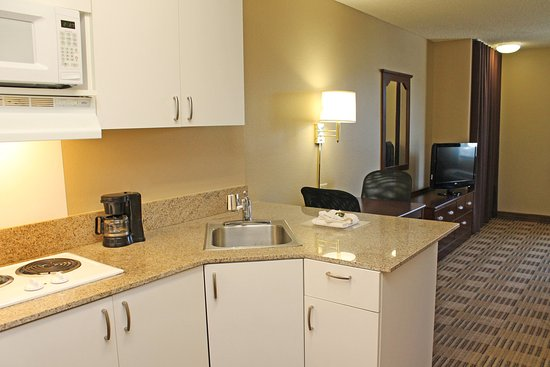 Extended Stay America - Los Angeles - Chino Valley : Fully-Equipped Kitchens