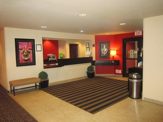 West Sacramento, Californië: Lobby and Guest Check-in