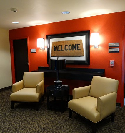 Extended Stay America - Fort Worth - City View: Lobby and Guest Check-in
