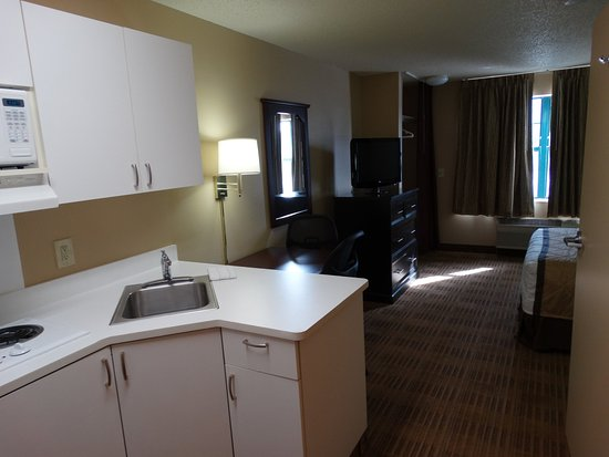 Extended Stay America - Fort Worth - City View: Fully-Equipped Kitchens