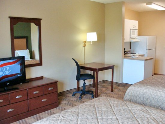 Rutherford, NJ: Studio Suite - 2 Double Beds