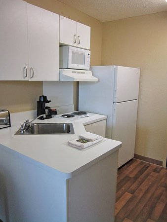 Extended Stay America - Fort Lauderdale - Plantation: Fully-Equipped Kitchens
