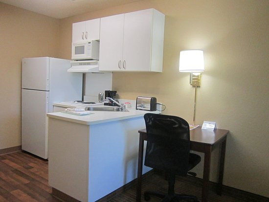 Extended Stay America - Seattle - Bothell - West: Fully-Equipped Kitchens
