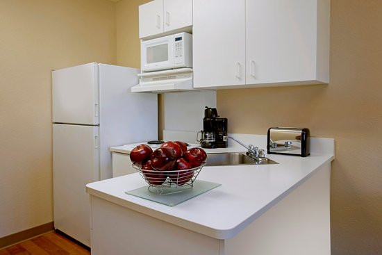 Extended Stay America - Bloomington - Normal: Fully-Equipped Kitchens