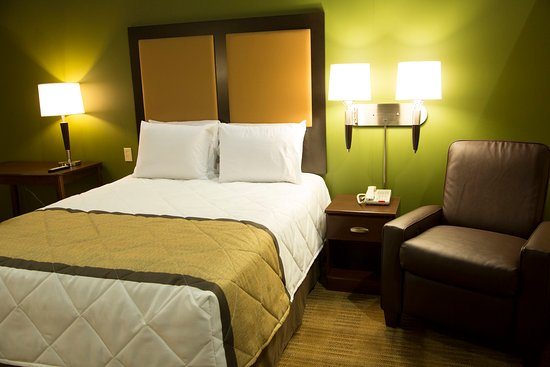 Extended Stay America - Detroit - Dearborn: Studio Suite - 1 Queen Bed