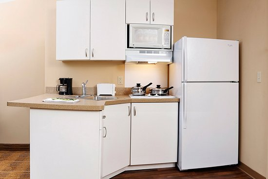 Extended Stay America - San Diego - Carlsbad Village by the Sea : Fully-Equipped Kitchens