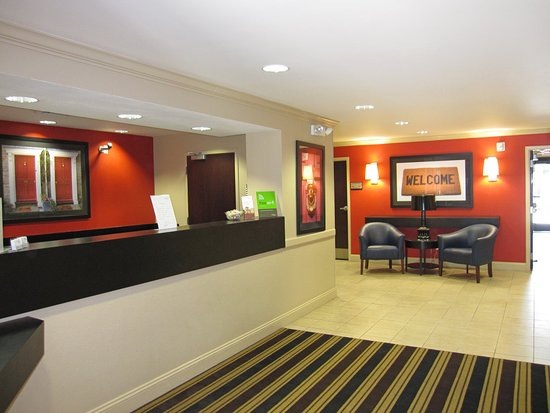 Belmont, Califórnia: Lobby and Guest Check-in
