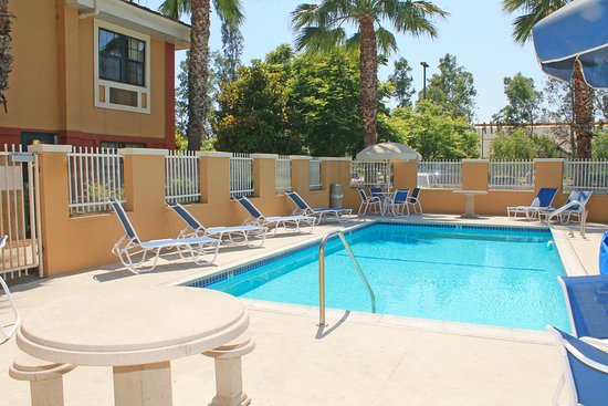 Extended Stay America - Los Angeles - Ontario Airport: Swimming Pool