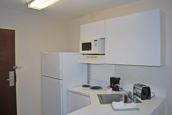 Extended Stay America - St. Louis - St. Peters : Fully-Equipped Kitchens