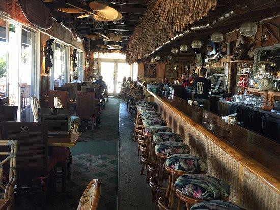 Kawaihae, Hawái: view of bar