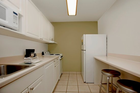 Extended Stay America - Indianapolis - North - Carmel: Fully-Equipped Kitchens