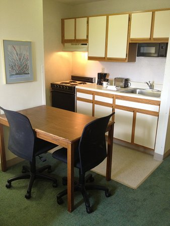 Extended Stay America - Birmingham - Inverness: Fully-Equipped Kitchens