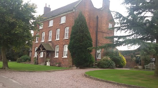 Audley, UK: The beautiful main guest house.