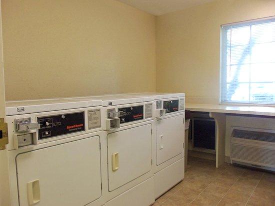 Jeffersontown, KY: On-Premise Guest Laundry