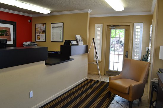 Extended Stay America - Denver - Tech Center - North: Lobby and Guest Check-in