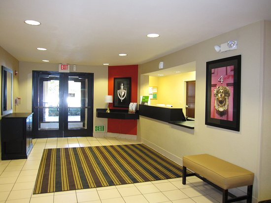 Milpitas, CA: Lobby and Guest Check-in