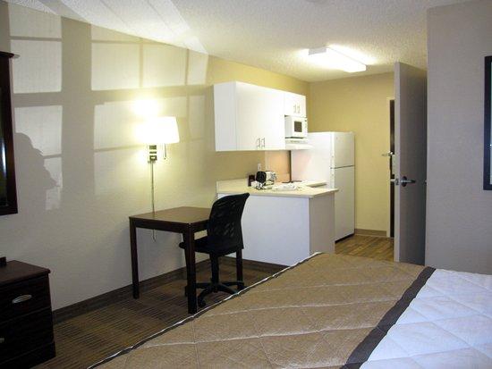 Milpitas, CA: Studio Suite - 1 King Bed