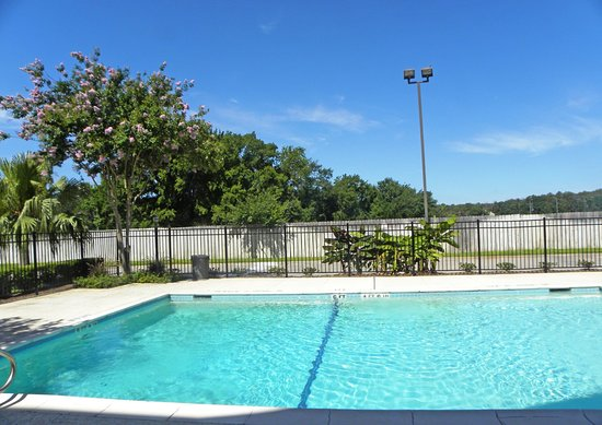Extended Stay America - Houston - Greenspoint : Swimming Pool