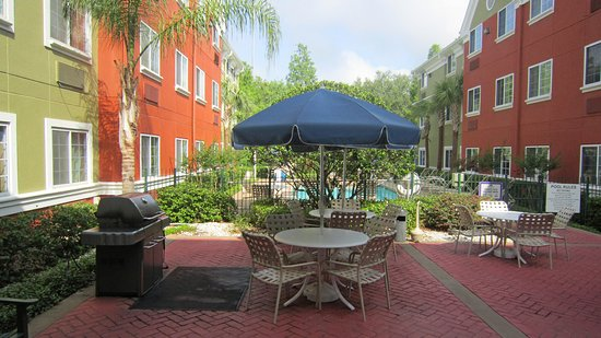 Extended Stay America - Orlando - Lake Mary - 1040 Greenwood Blvd: Picnic Area