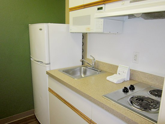 Extended Stay America - Seattle - Bellevue - Factoria: Fully-Equipped Kitchens