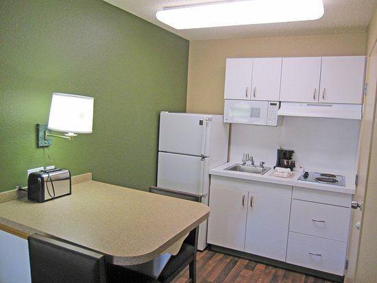 Extended Stay America - Portland - Beaverton: Fully-Equipped Kitchens