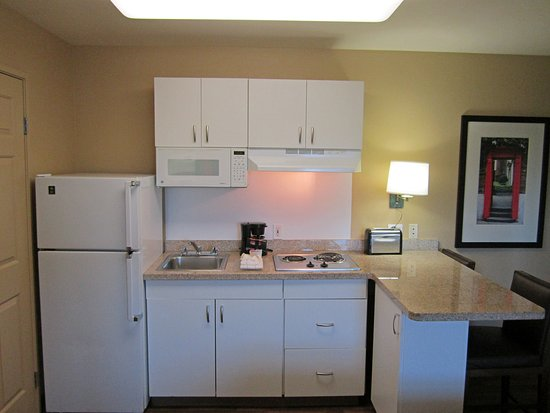 Extended Stay America - Orange County - Irvine Spectrum: Fully-Equipped Kitchens