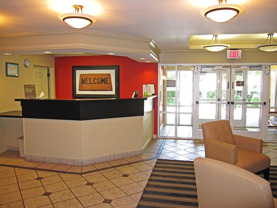 Milpitas, Kalifornia: Lobby and Guest Check-in