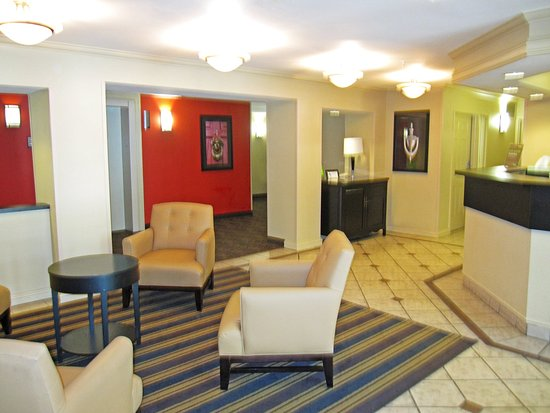 Milpitas, Kalifornien: Lobby and Guest Check-in
