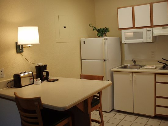 Extended Stay America - Jacksonville - Southside - St. Johns Towne Center: Fully-Equipped Kitchens