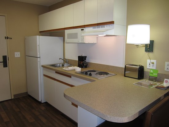 Extended Stay America - Los Angeles - Monrovia: Fully-Equipped Kitchens