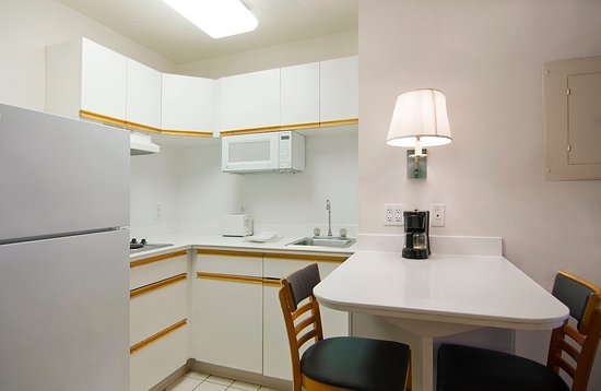 Extended Stay America - North Chesterfield - Arboretum: Fully-Equipped Kitchens