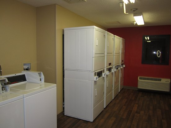 Gardena, CA: On-Premise Guest Laundry
