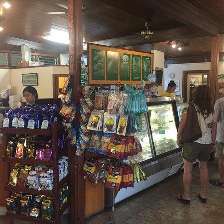 Naalehu, Hawaje: inside the shop