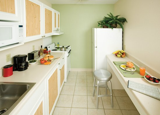 Extended Stay America - Hartford - Farmington: Fully-Equipped Kitchens