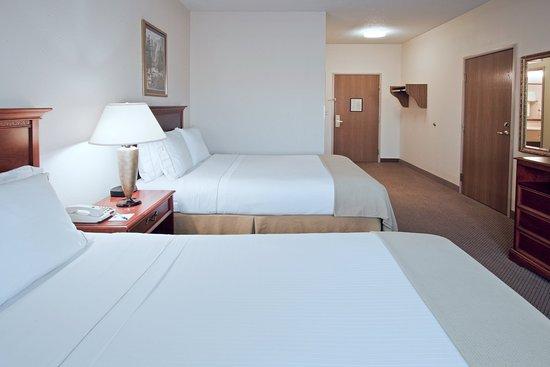 Howe, IN: Queen Bed Guest Room